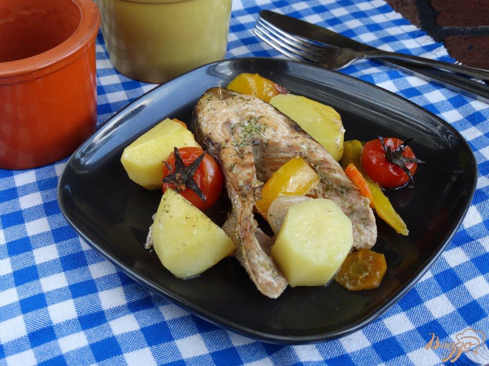 Вкусно приготовить горбушу с овощами в духовке