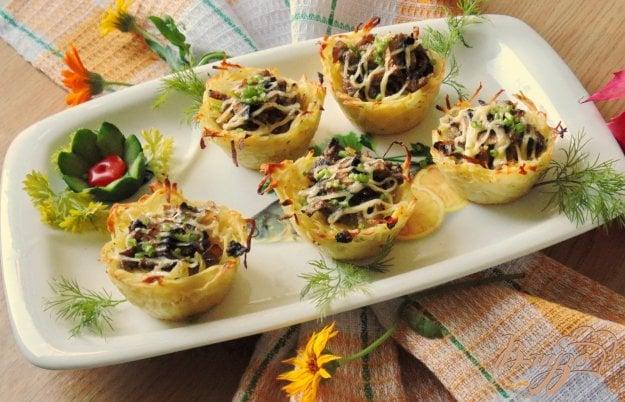 фото рецепта: Картофельные корзиночки с грибами