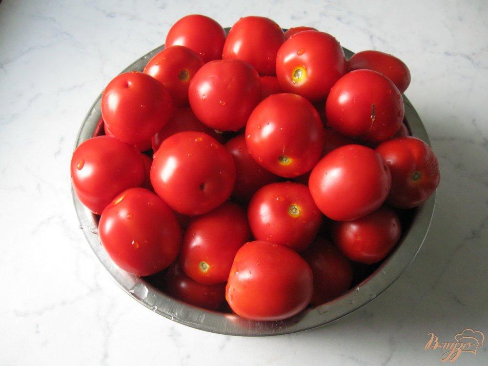 Рецепт Кисло-сладкие консервированные помидоры.