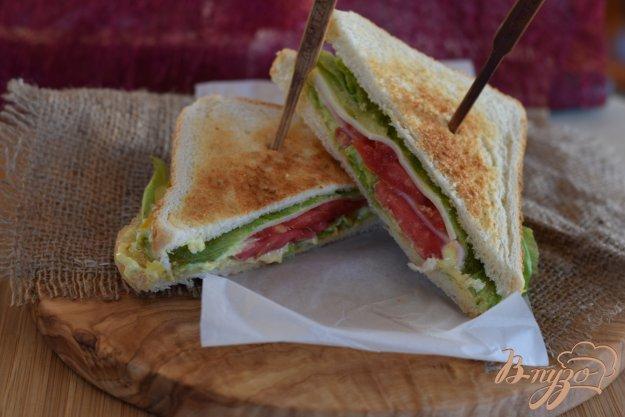 фото рецепта: Бутерброд с ветчиной и сыром