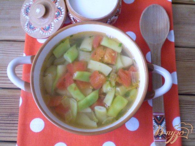 фото рецепта: Суп с фасолью и помидором