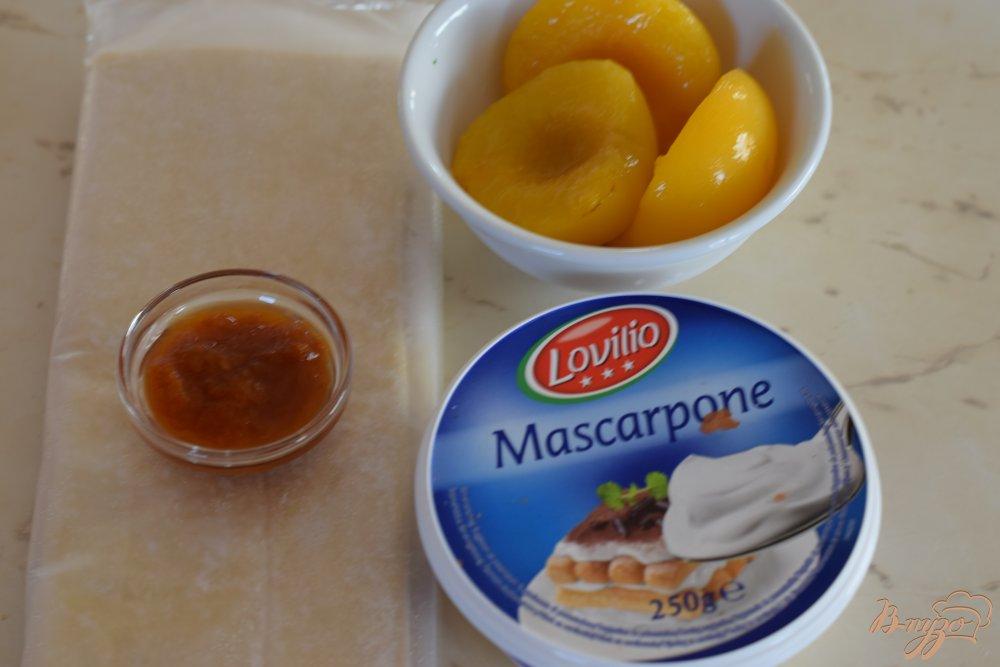 Рецепт Слойки с персиком и абрикосовым кремом