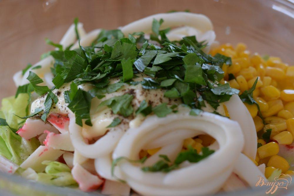 Рецепт салата с крабовыми палочками и кальмаром