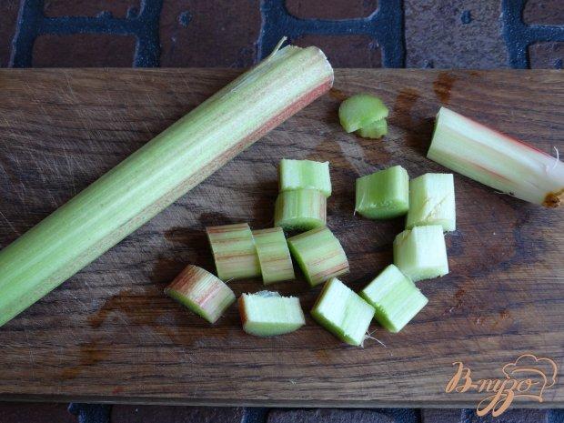 Рецепт Пряный компот из ревеня и яблок