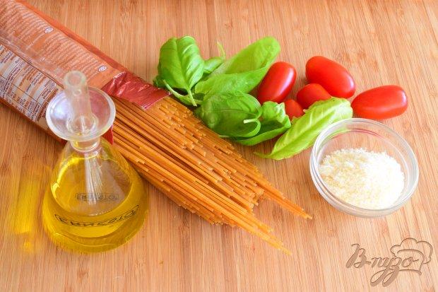 Рецепт Спагетти с базиликом, пармезаном и карамелизированными черри- помидорами
