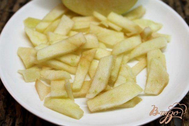 Рецепт Печеночный салат с яблоком и красным перцем