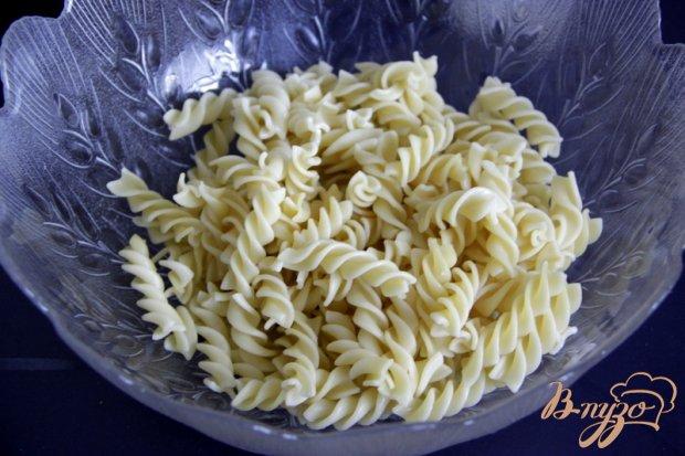 Рецепт Салат из макарон, с салями и овощами