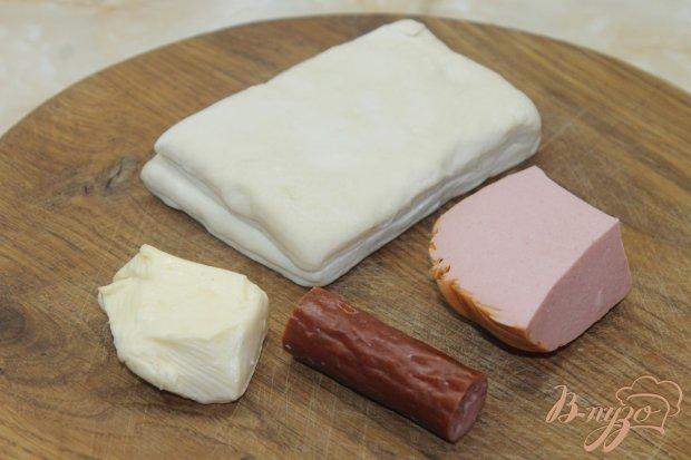 Рецепт Слойки с колбасой и охотничьими колбасками