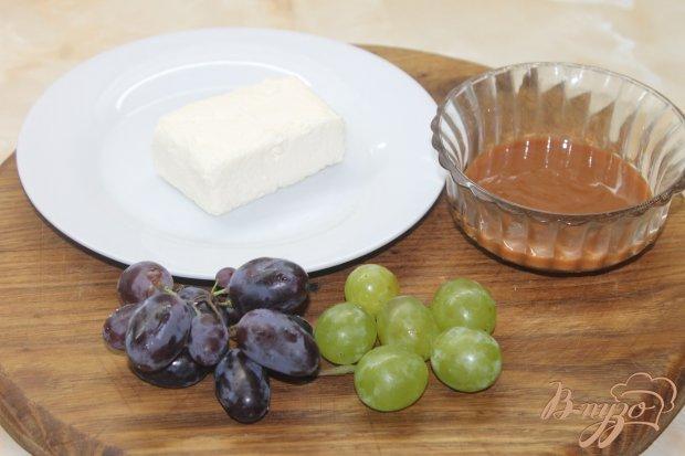 Рецепт Десерт с творожной массы и винограда