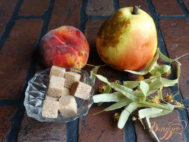 Рецепт Персиково-грушевый компот с липой