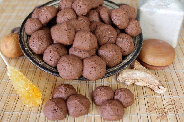 фото рецепта: Песочное печенье с имбирем и какао