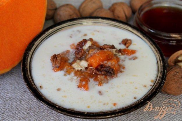 фото рецепта: Тыквенно-пшеничная каша в горшочке