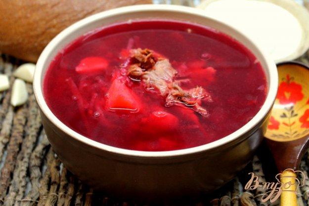 фото рецепта: Красный борщ с фасолью на мясном бульоне