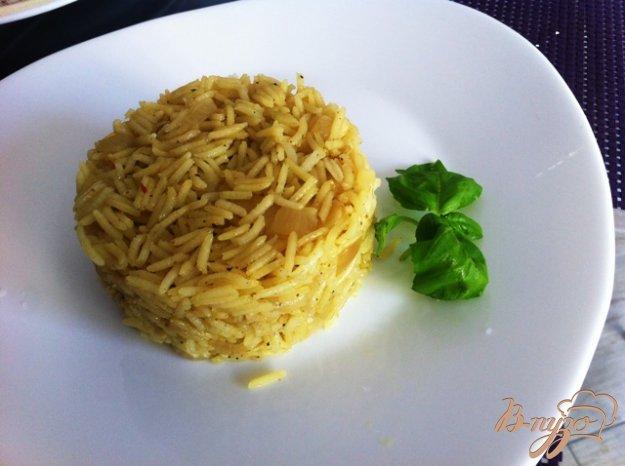 фото рецепта: Жареный рис с луком