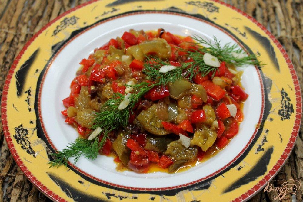 Фото приготовление рецепта: Овощное рагу из зеленых помидор и болгарского перца шаг №6