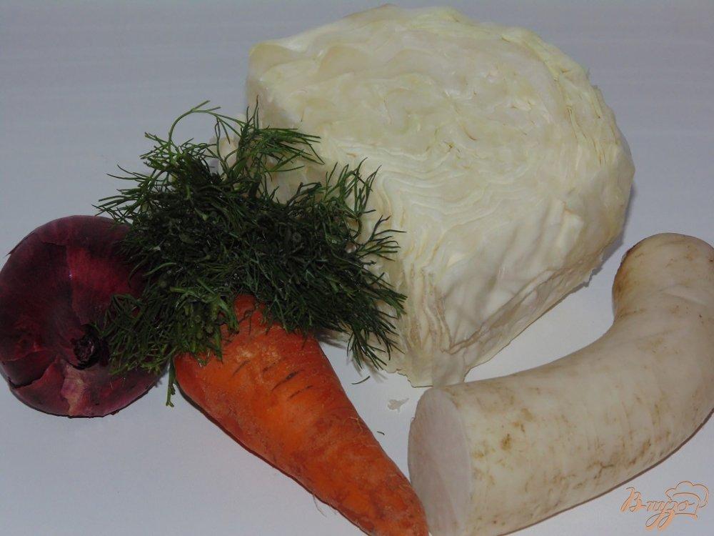 Рецепт Капустный салат с дайконом и красным луком