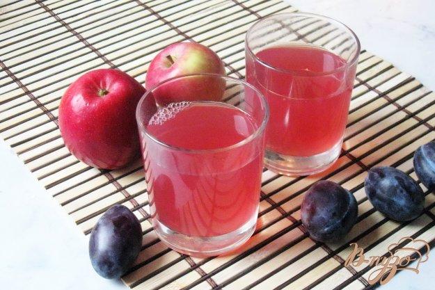 фото рецепта: Компот из винограда, яблок и слив
