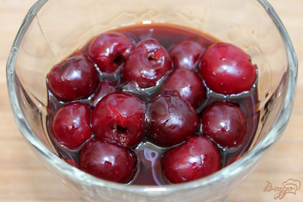 Рецепт Слоеное желе из вишни и сметаны