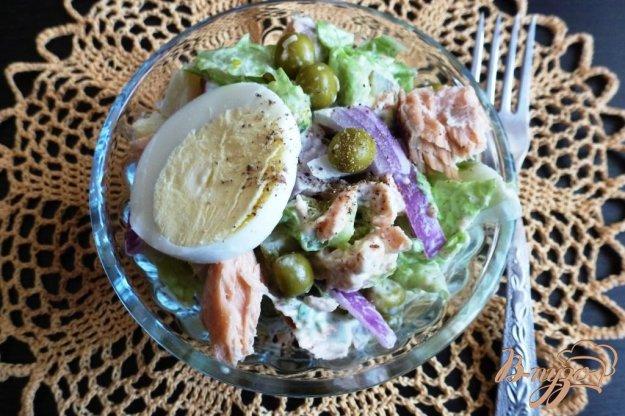 фото рецепта: Салат с запеченной кетой и овощами