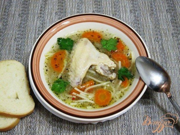 фото рецепта: Суп из куриных крылышек со спагетти