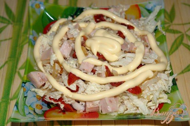 фото рецепта: Салат с курицей и вялеными помидорами