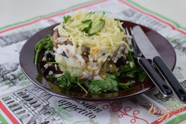 салат с куриной грудкой простой рецепт слоеный