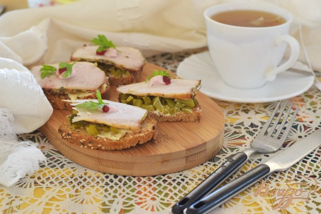 фото рецепта: Бутерброд с бужениной