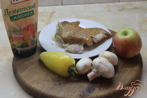 Рецепт Салат из свежих шампиньонов и копченой курицы