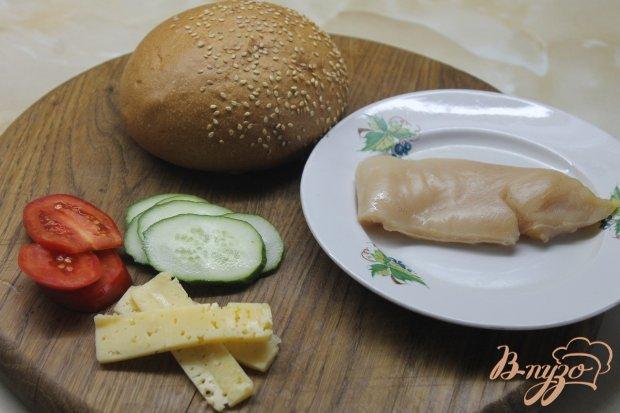 Рецепт Гамбургер с куриной отбивной и овощами