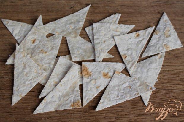 Рецепт Салат из помидор с овечьей брынзой и кусочками лаваша