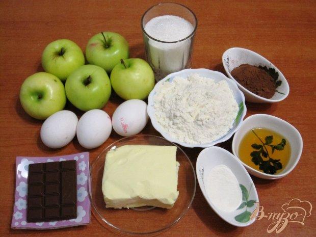 Рецепт Пирог с шоколадом и печеными яблоками
