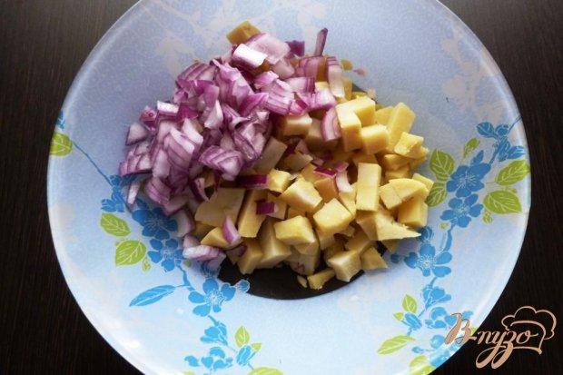 Рецепт Салат с солеными груздями и капустой