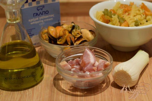 Рецепт Макароны с беконом и мидиями