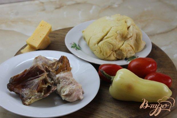 Рецепт Пицца - рулет с копченой курицей и помидорами