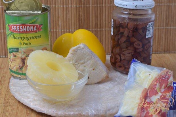 Рецепт Пицца с курицей, грибами и ананасом