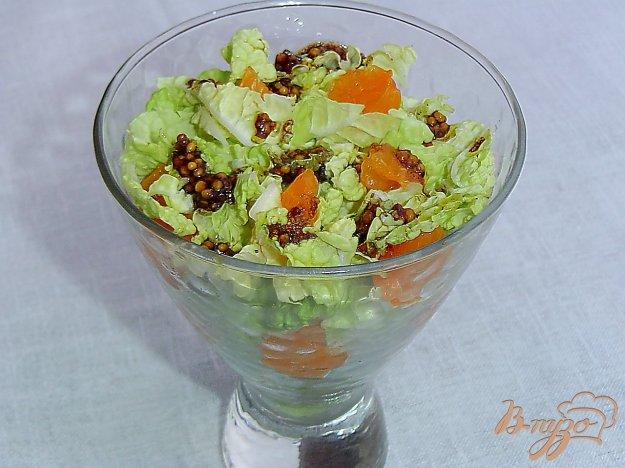 фото рецепта: Салат из пекинской капусты с мандаринами
