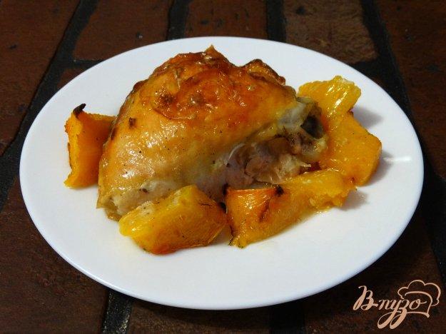 фото рецепта: Куриные бедра с тыквой и шафраном