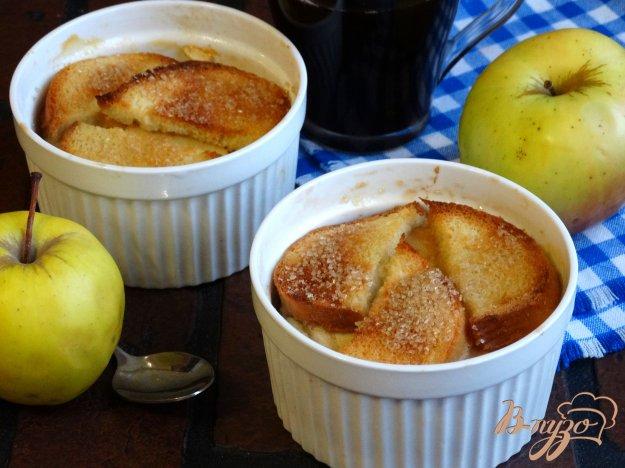 фото рецепта: Хлебная запеканка с творогом и яблоками