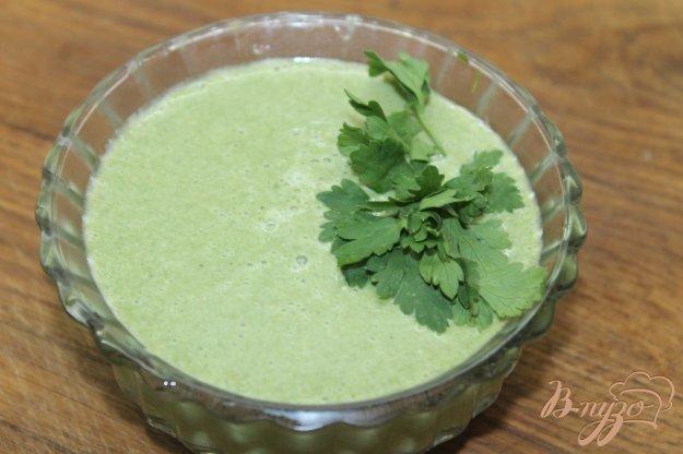 фото рецепта: Сливочный суп - пюре со шпината и овощей