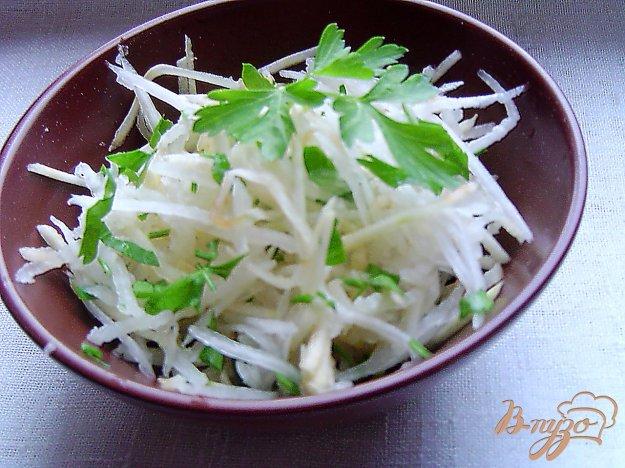 фото рецепта: Салат из редьки с яблоком