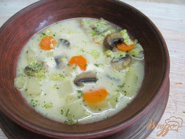 фото рецепта: Суп с грибами и пекинской капустой