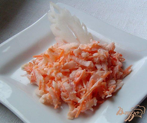 фото рецепта: Салат из моркови, редьки и чеснока