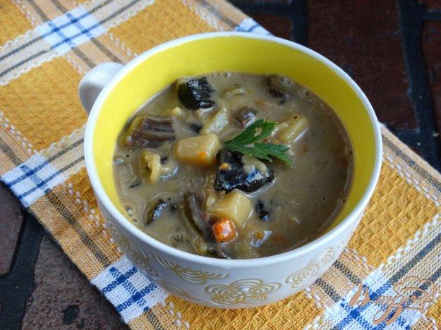 фото рецепта: Сырный суп с лесными грибами