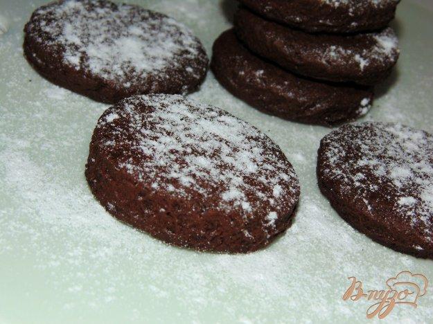 фото рецепта: Шоколадное печенье в сахарной пудре