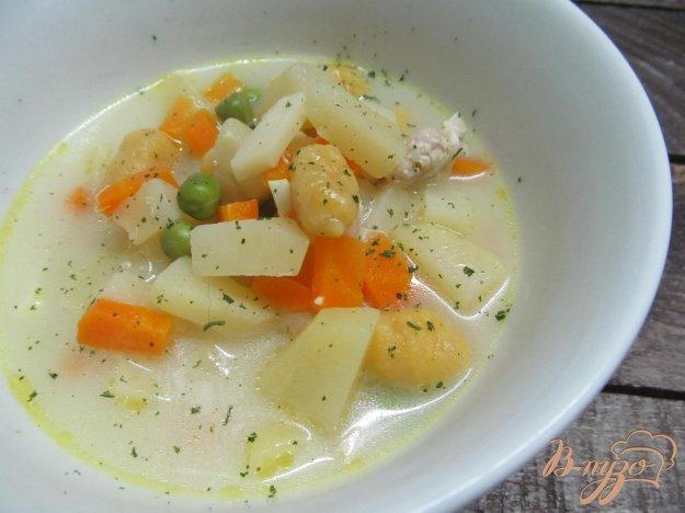 фото рецепта: Овощной суп с горошком и ньокки