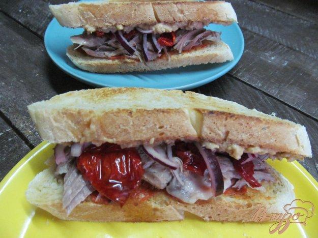 фото рецепта: Бутерброд с рулькой и печеночным паштетом