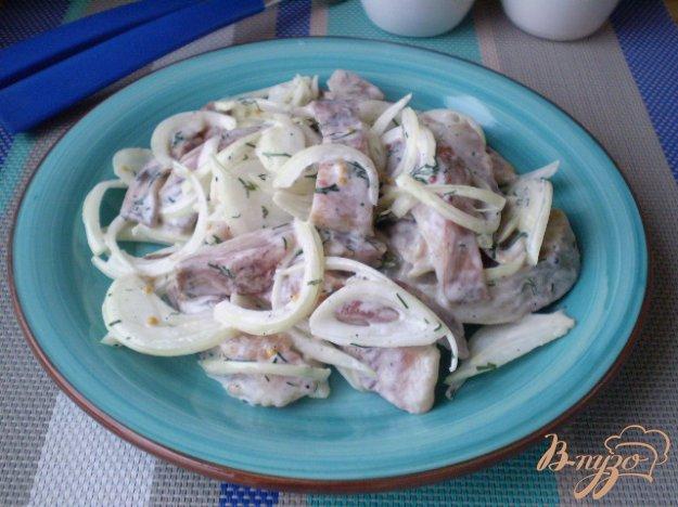 фото рецепта: Селедочка с горчицей, луком и укропом