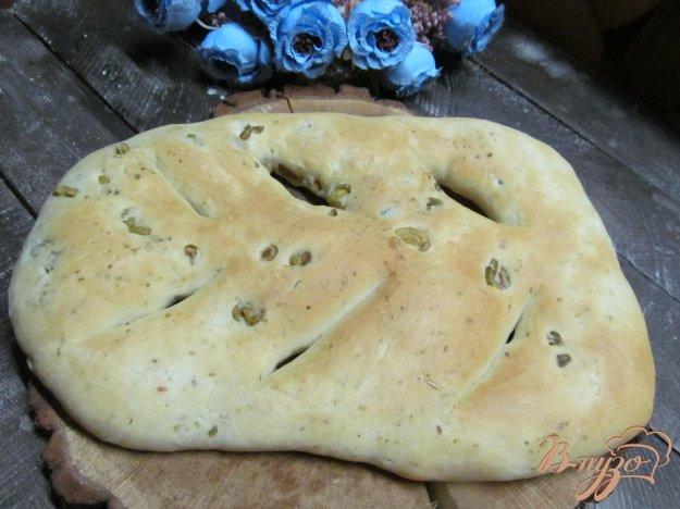 фото рецепта: Фугас с орегано и оливками