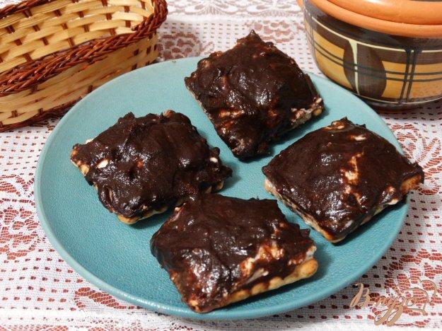 фото рецепта: Творожные сырки в шоколаде на печенье