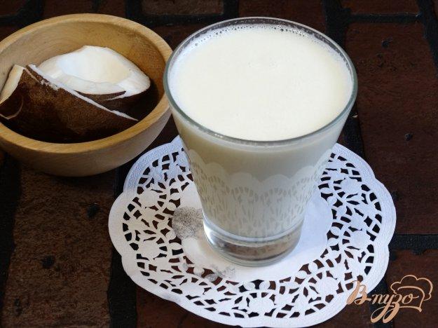 фото рецепта: Кокосовая стружка и кокосовое молоко в домашних условиях
